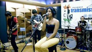 Jullie - Despertar (Ao Vivo - MySpace)