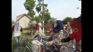 preview picture of video 'DAFODILS EVENT- CHERRYCAMP KAMPUNG INGGRIS-PARE-KEDIRI'