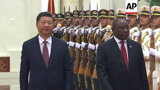 Chinese President meets South African leader