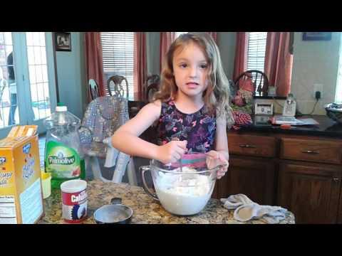 Make kinetic sand at home with Addison