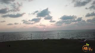 لحظات ساحرة لغروب الشمس على شاطئ يافا