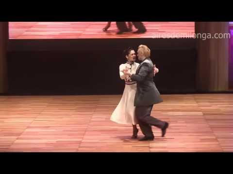 Balada para un loco - Hugo Mastrolorenzo y Agustina Vignau (with subtitles)