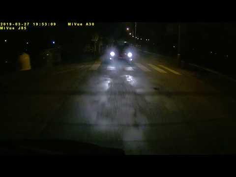 Zadní kamera Mio MiVue A30 za tmy ~ ukázka záznamu (FILE190327-195218R.MP4) #MIOkamery