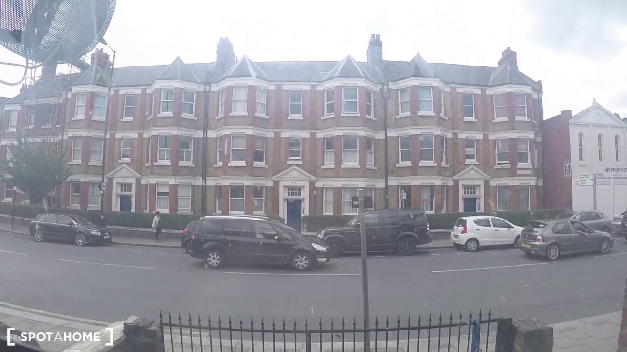 Rooms to rent with bills included in a 6-bedroom house in Harringay