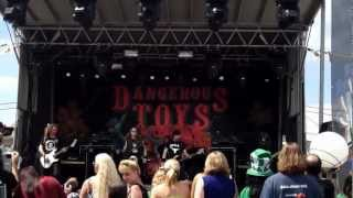 "Monsters of Rock Cruise 2013 - Dangerous Toys ""Give Me No Lip"""