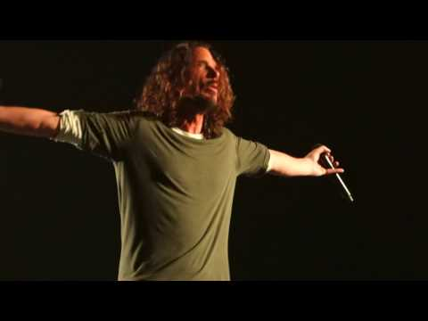 Temple of the Dog - Pushin Forward Back – Live in San Francisco