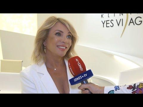 Zdena Studenková na slavnostním otevření Kliniky YES VISAGE