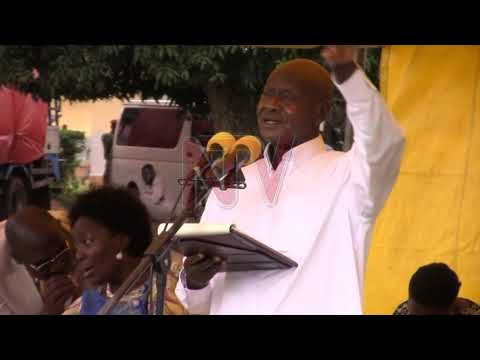 President Museveni advises Busoga residents on sugar growing