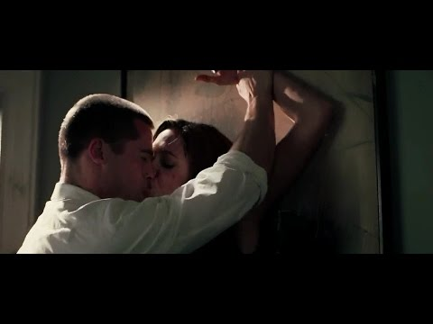 Mr  & Mrs  Smith Hollywood Movie Angelina Jolie Hottest Scene