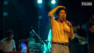 medley crazy in love/ ยกมือขึ้น/ happy - Atom (live in House rangsit)