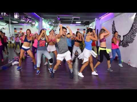 Bonita - J Bailvin ft Jowell & Randy by Cesar James y Nath cabrera Zumba Cardio Extremo Cancun