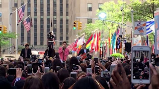 Harry Styles   Sign Of The Times (LIVE) | Today Show