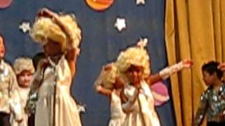 preview picture of video 'Brisa baila en la fiesta de fin de curso de jardin de infantes'