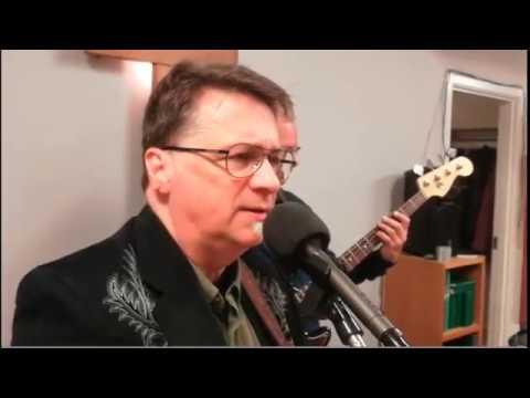 Ted Sandstedt sjunger i Svenska Frälsningsarmén i Borås