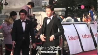 第50回百想芸術大賞レッドカーペットの男優達