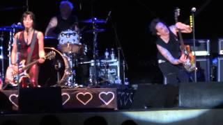 Joan Jett and the Blackhearts - Love Is Pain