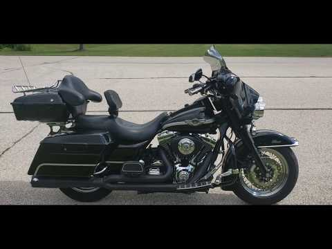 2003 Harley-Davidson FLHTC/FLHTCI Electra Glide® Classic in Big Bend, Wisconsin - Video 1