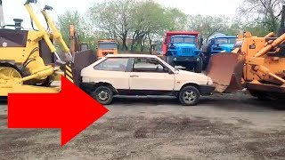 Владивосток Бульдозеры расплющили машину м. Кунгасный ДСТ-УРАЛ и Zoomlion Astakada