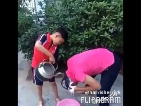 Boy piss on dad head after water run out