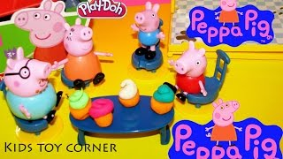Peppa Pig and the Family Playset - Make Peppa Pig and George Cupcakes from Play Doh