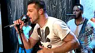 Ricky martin Aol sessions 2005 Drop it on me