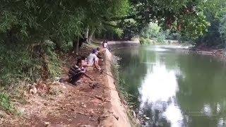 Sensasi Memancing di Danau Hutan Kota Srengseng