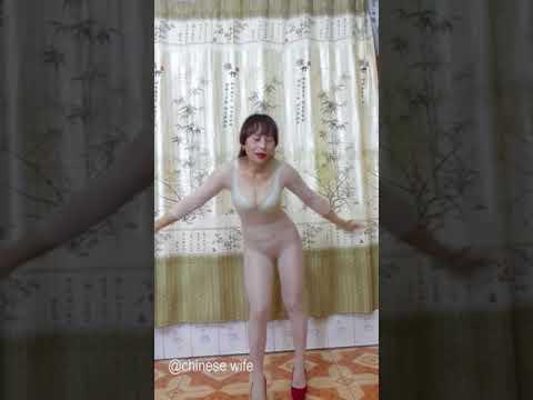 美多多长发姐肉丝肥臀广场舞 chinese wife dance EP59