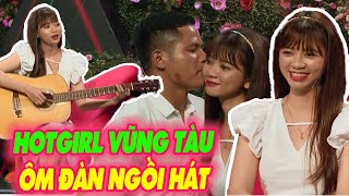 Hotgirl Vũng Tàu ôm đàn ngồi hát tỏ tình khiến Trai U30 rụng tim xin hẹn hò