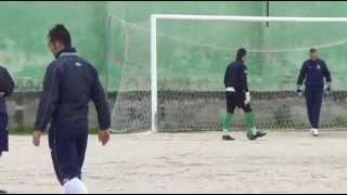 preview picture of video 'Calcio: riscaldamento e festeggiamenti con Ploaghe e Stintino 7 aprile 2013'