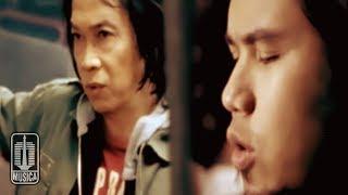 Chord Kunci Gitar Lagu 'Jika Surga dan Neraka Tak Pernah Ada' - Chrisye & Ahmad Dhani
