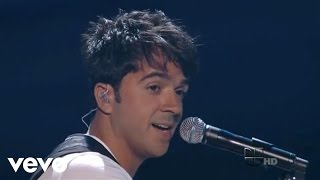 Luis Fonsi - Gritar (En Vivo Premios Juventud 2011 en Univision)