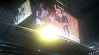Fergie and Slash jam at super bowl halftime show