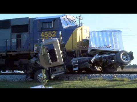 CRAZY Truck Crashes, Truck Accidents Compilation 2014   Winter Edition Mp3