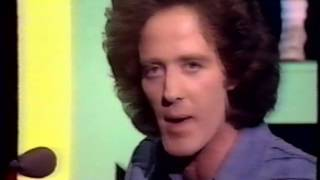 Gilbert O'Sullivan, To Each His Own (Full clip) 1976