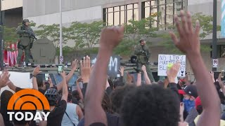 Overnight, the calls for justice across the country grew more intense following the death of George Floyd. Clashes between demonstrators and police sparked violence in at least 20 cities, including Atlanta, Detroit, New York and San Jose. NBC's Blayne Alexander reports for Weekend TODAY. » Subscribe to TODAY: http://on.today.com/SubscribeToTODAY » Watch the latest from TODAY: http://bit.ly/LatestTODAY  About: TODAY brings you the latest headlines and expert tips on money, health and parenting. We wake up every morning to give you and your family all you need to start your day. If it matters to you, it matters to us. We are in the people business. Subscribe to our channel for exclusive TODAY archival footage & our original web series.    Connect with TODAY Online! Visit TODAY's Website: http://on.today.com/ReadTODAY Find TODAY on Facebook: http://on.today.com/LikeTODAY Follow TODAY on Twitter: http://on.today.com/FollowTODAY Follow TODAY on Instagram: http://on.today.com/InstaTODAY Follow TODAY on Pinterest: http://on.today.com/PinTODAY  #GeorgeFloyd #TodayShow  Nationwide Protests Intensify Over Death Of George Floyd | TODAY