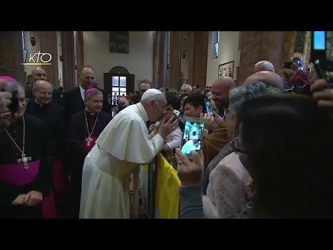 Rencontre avec le clergé, les jeunes et les familles dans la cathédrale de Cesena (diocèse de Bologn