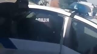 В Николаеве посадили на четыре года хулигана, разбившего головой стекло патрульного авто
