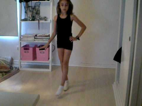 10 year old girl dancing single ladies- Mrs.Lola
