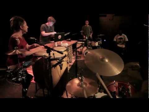 Big Beat Dance (Apple Juice Kid + 5 Drummers)
