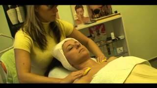 Kosmetická masáž obličeje a dekoltu