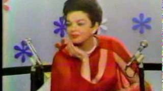 Judy Garland - Interview + Over The Rainbow (The Mike Douglas Show - 1968)