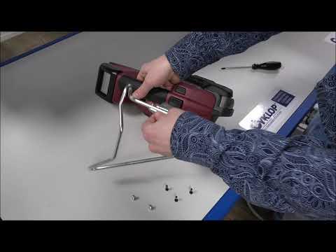 CMT 260 / CHT 450 / CLT 130: Attaching the bracket