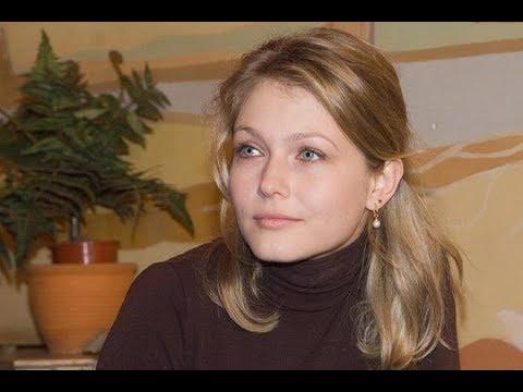 Признается что сделала много ошибок: Как и с кем живет актриса Эльвира Болгова