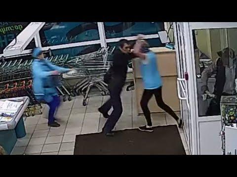 Сотрудницы супермаркета скрутили вора