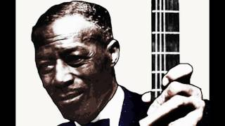 Son House 1930 : Walking Blues (Delta Blues guitar)