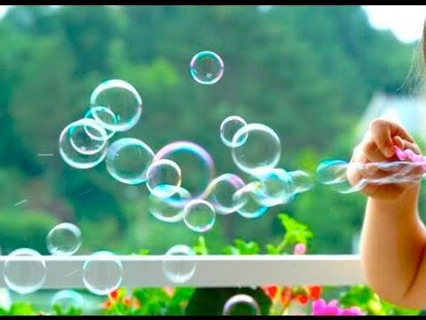How to Make Homemade Bubbles