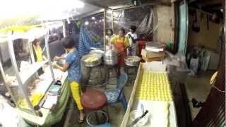 preview picture of video 'Chef Sang's vegetarian food stall Vegetarian Festival Thai Mueang 2012'