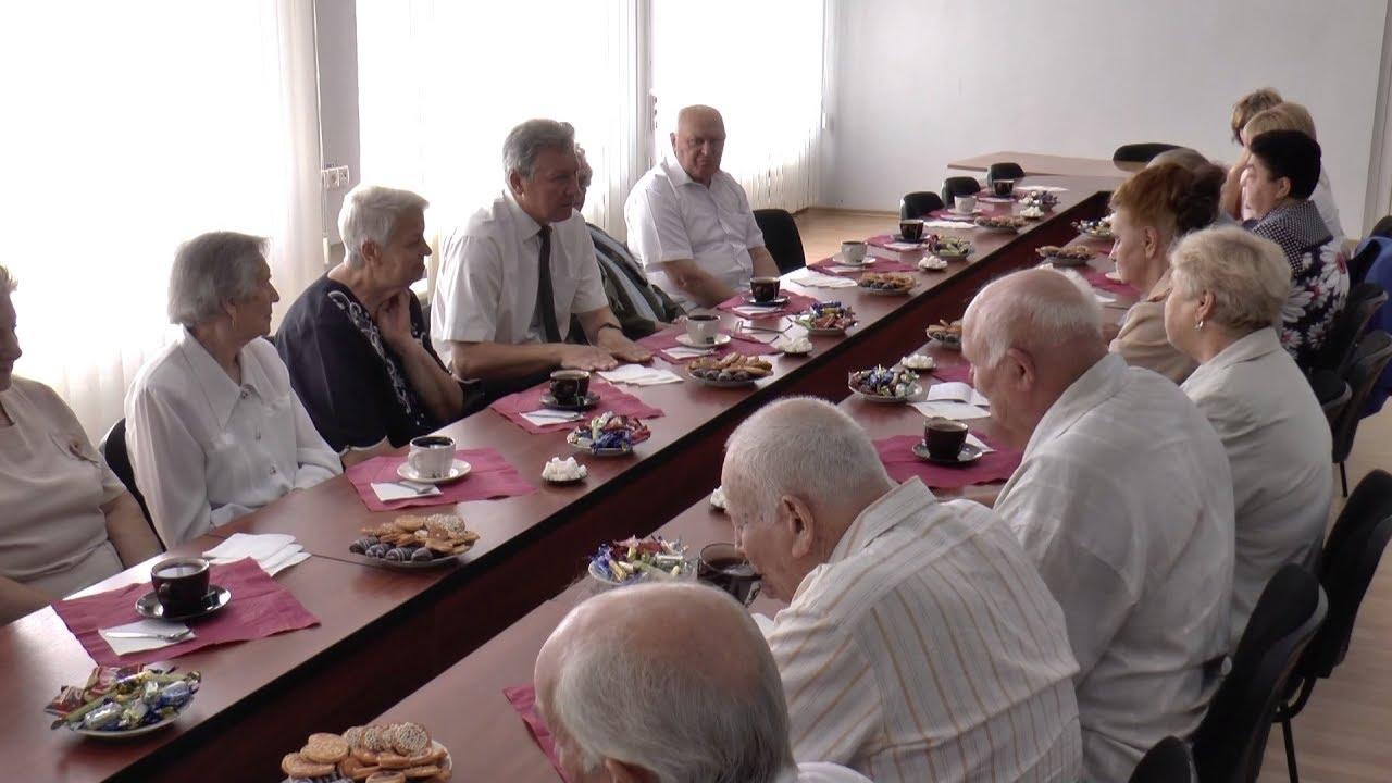 Відбулася зустріч секретаря міської ради А.Бусєнкова з почесними громадянами міста