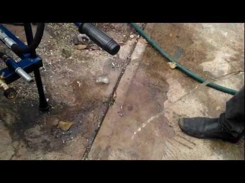 1  colocando la manguera de alimentacion de agua