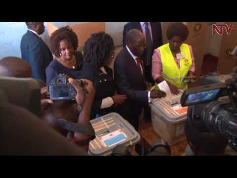 Zimbabweans vote for the first time without Mugabe on the ballot